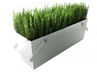 Freestanding planter with handles