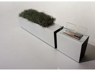 Freestanding planter