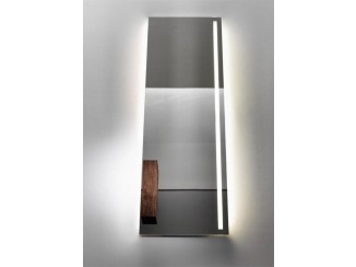 Vertical mirror with lighting