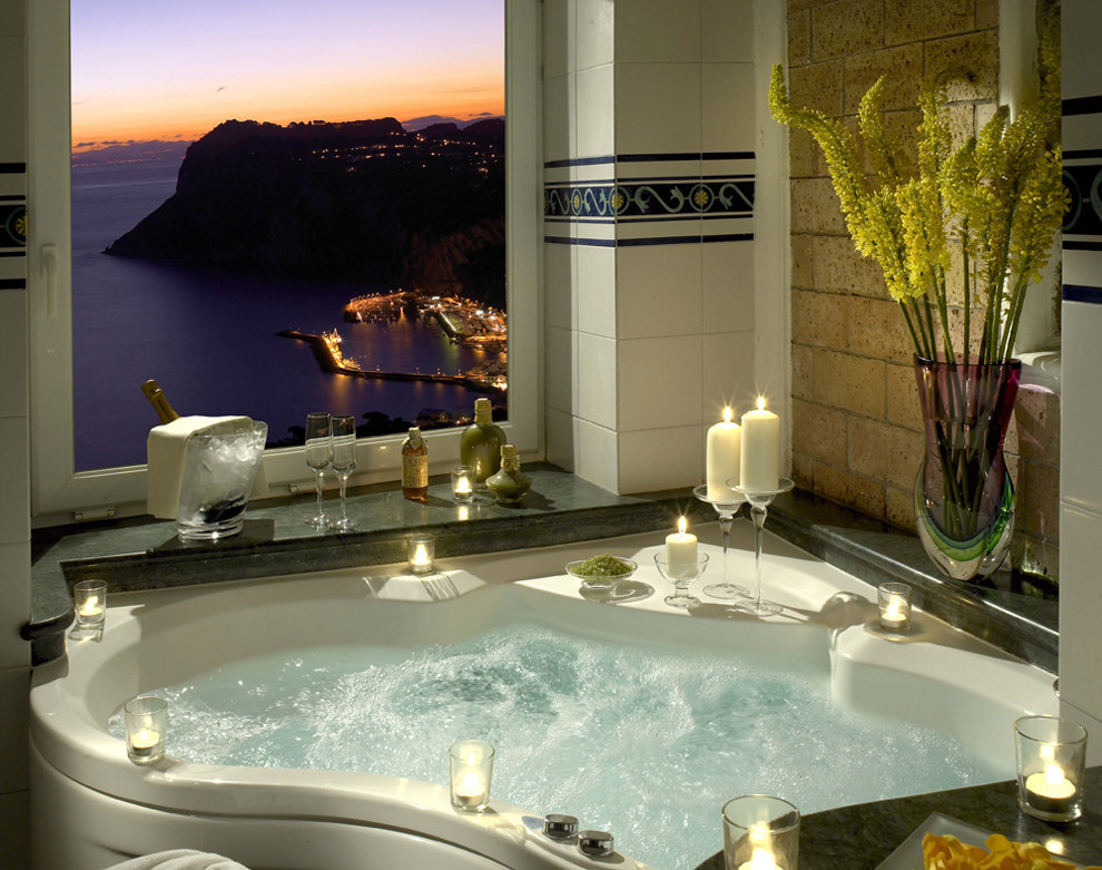 eDezeen Dream Bathtubs from Hotels Around the World